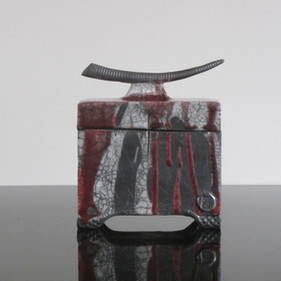 Lidded Box with Handle – Red/Black