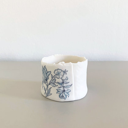 Small Embossed Fusion Tealight Holder