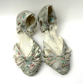 Elaine Hind RBSA, A Pair of Evening Shoes (image 1)