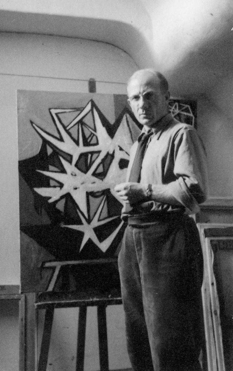 William Gear in studio, 13 Quai des Grands Augustins, Paris 1949