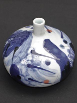 Porcelain Pebble Vases Narrow Neck. Blue & White (Smaller)