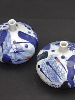 Porcelain Pebble Vases Narrow Neck. Blue & White (Larger)