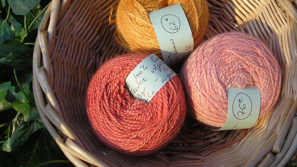 Fil moyen 100% Cachemire- taille aiguilles 3,5- rouge - orange -rose