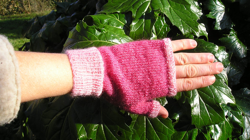 Mitaines Cachemire rose tricotées