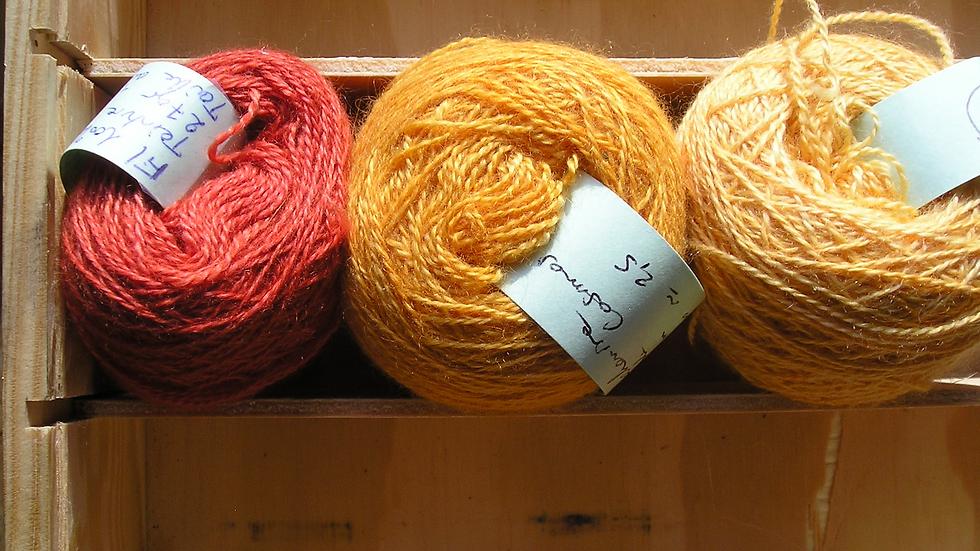 Fil fin 100% Cachemire - taille aiguille 2,5- rouge et orangés