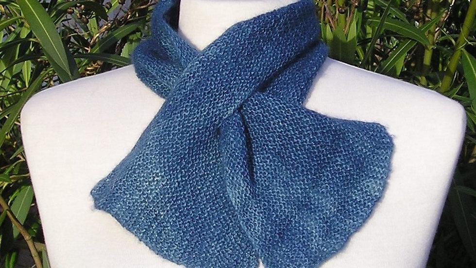 Echarpette Cachemire bleue tricotée