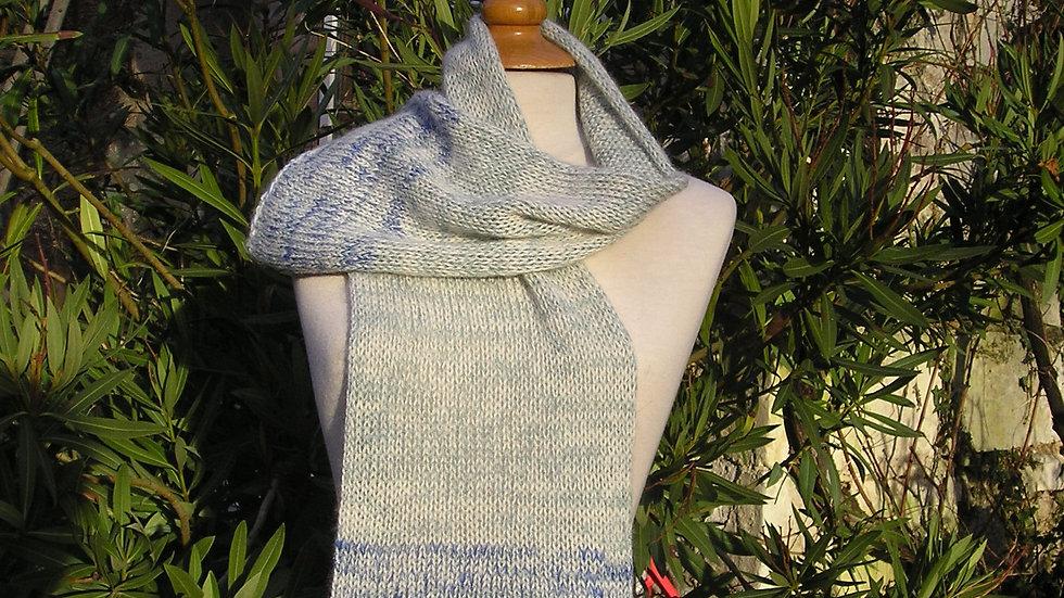 Echarpe Cachemire bleu/ écru tricotée