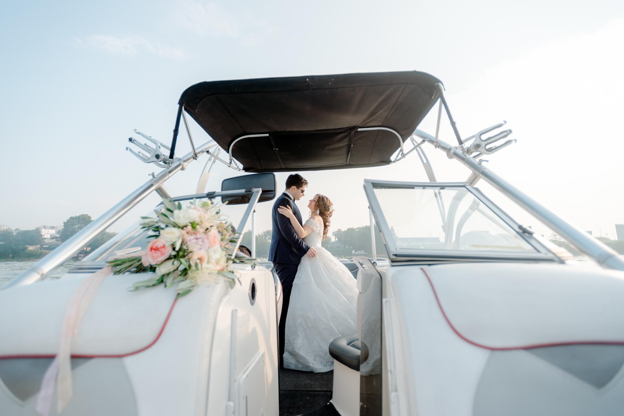 свадебная фотосъемка на катере