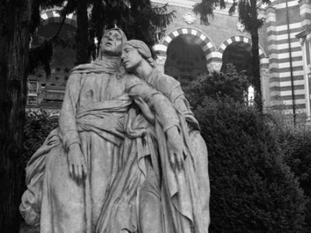 LE GRANDI DONNE DI MILANO AL CIMITERO MONUMENTALE
