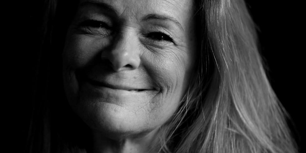 8 PM :: Artist Talk - Paula Bronstein
