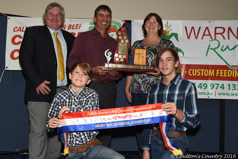 Geoff Maynard, 5 Star Senepol, Jambin, presented the Pat Maynard Memorial trophy to the most successful exhibitor, Mike and Vicki Bradshaw, Fairhaven, Banana, and their two sons Fraser and Dustin.