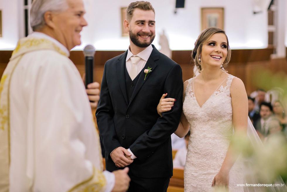 casamento-patricia-e-fernando-na-igreja-sao-benedito-e-espaco-jau-por-fernando-roque-fotografia-em-jau-sp_0353-1024x682.jpg