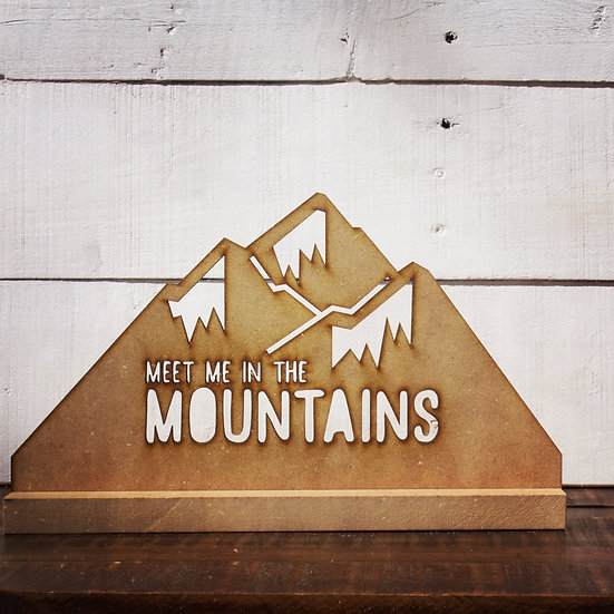 Meet me in the mountains statue