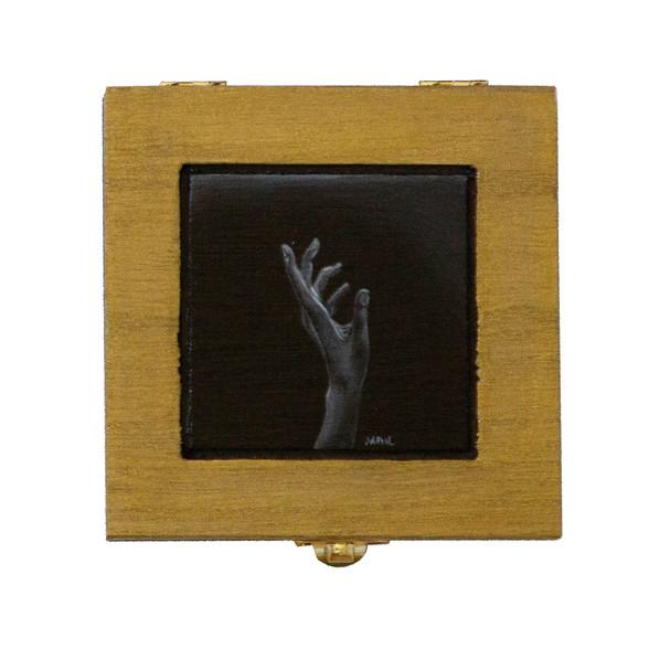 MayMLo_Talking Hand Box
