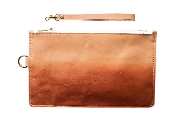 OMBRÉ CLUTCH WRISTLET // SAMPLE