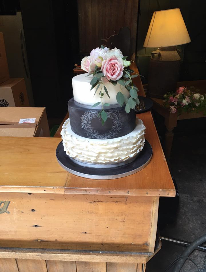 Wedding Cake by Cakes by Kim, Central Otago
