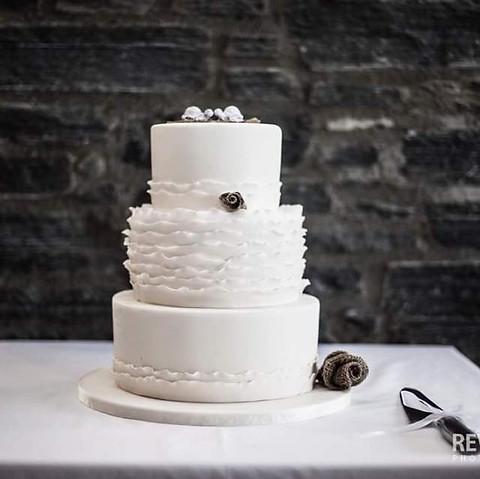 Wedding Cake by Cakes by Kim, Central Otago