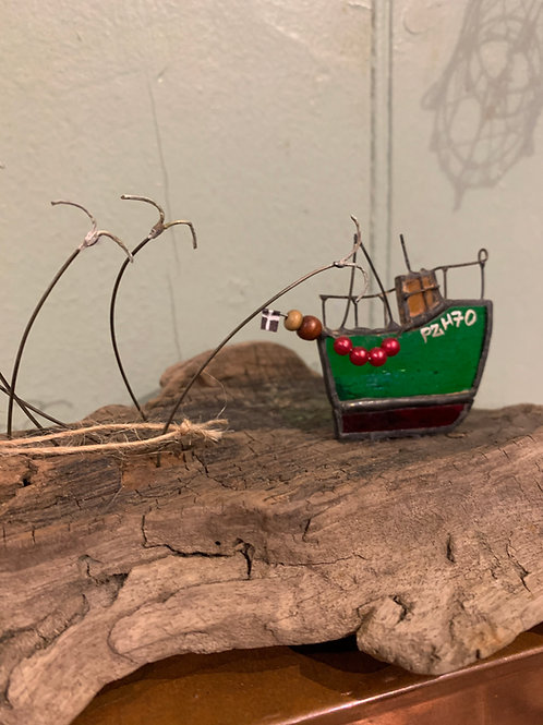 Cornish Beach Handmade Glass Fishing Boat PZH70