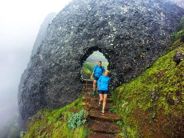 The passage!! Mandatory  picture scenario when going towards Pico Ruivo__RUNNiNG TOURS _ MADEiRA ISL