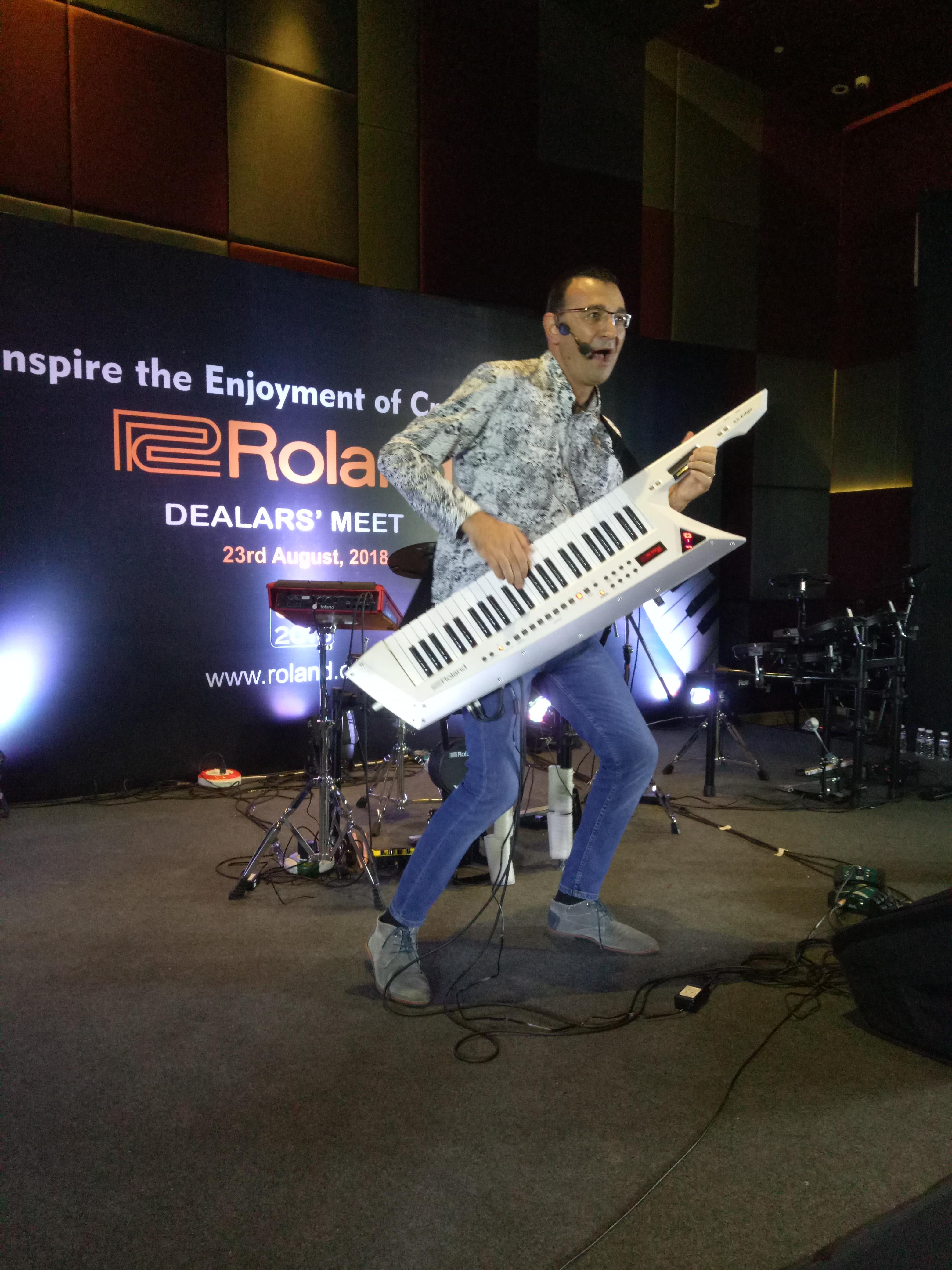INDIA MUSIC Tour