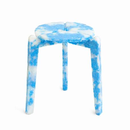 เก้าอี้จากหน้ากากอนามัยใช้แล้ว
