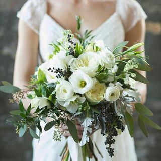 Natural white bouquet