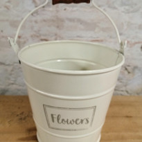 Small Cream buckets