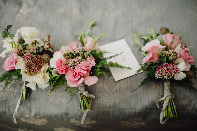wedding bouquets in a rustic style on vi
