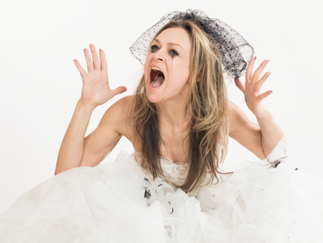 7 tips on how not to end up penniless & hating the Bride…