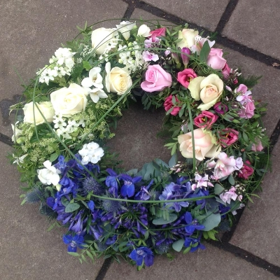 Wreath - tri-coloured