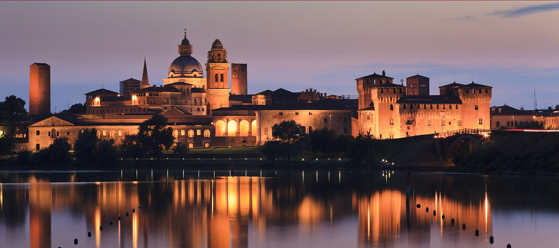 Mantova Mantua by night.jpg