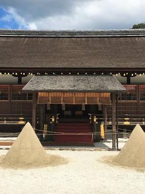 카미가모(上賀茂)신사의 하츠모우데(初詣)