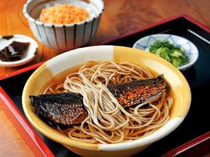 오랜전통을 자랑하는 깊은 맛의 청어소바(니신소바)가게!「마츠바(松葉)」