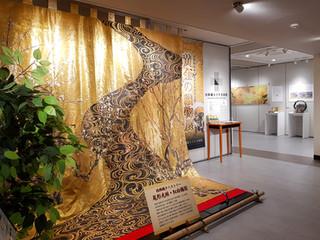 황금빛의 찬란한 아름다움, 니시진오리(西陣織)