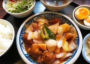호텔 요리장 출신이 만드는 중화요리「시노와 루루(シノワ縷縷)」