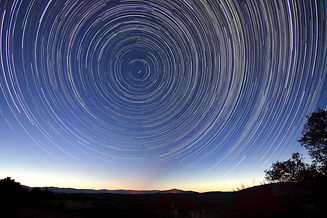 star-trails-828656.jpg