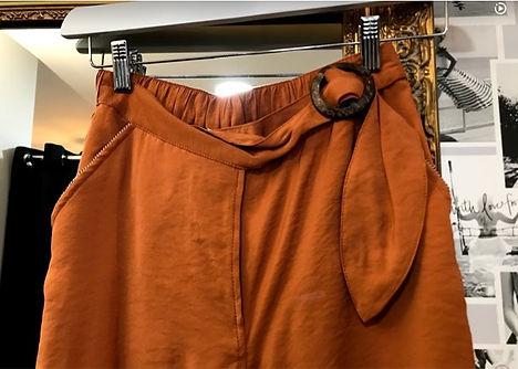Pantalon fluide couleur caramel zoom cei