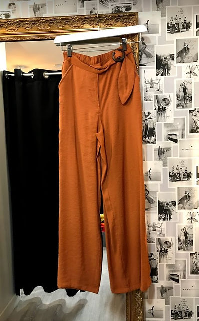 Pantalon fluide couleur caramel photo1.j