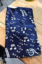 Petit carré de soie bleu musique photo1.