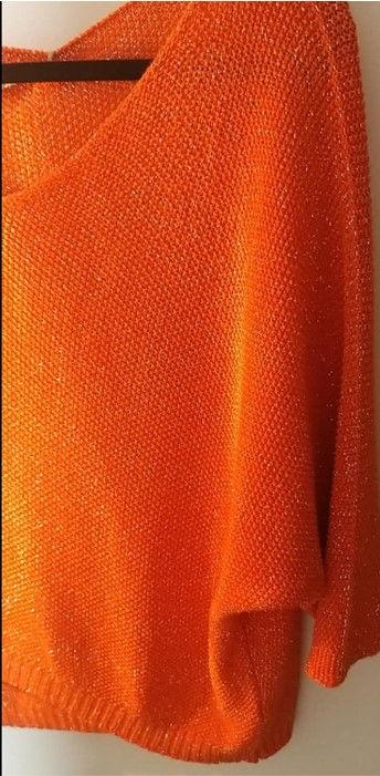 pull brillant orange zoom.jpg