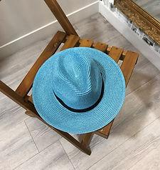 chapeau bleu photo1.jpg