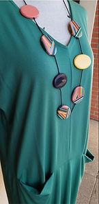 Robe verte sur buste photo4.jpg