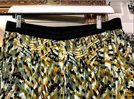 Pantalon fluide vert et noir zoom ceintu