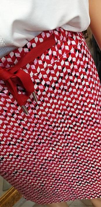 Jupe rouge blanc zoom tissus.jpg