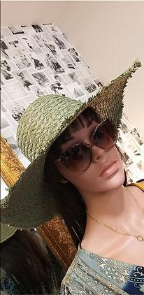 chapeau et lunettes de soleil.jpg