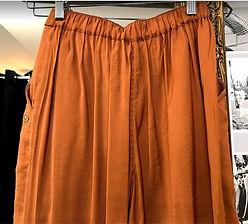 Pantalon fluide couleur caramel photo2.j