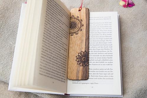 Lesezeichen aus schönem Nussbaumholz - handgemacht