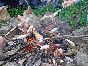 Grillen an der Feuerstelle vom ASP.