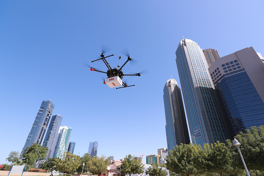 HoverGuard(MD) flying over a city (CNW Group/ABB inc.)-canada-gas-leak-detection-and-greenhouse-gas-emissions-monitoring