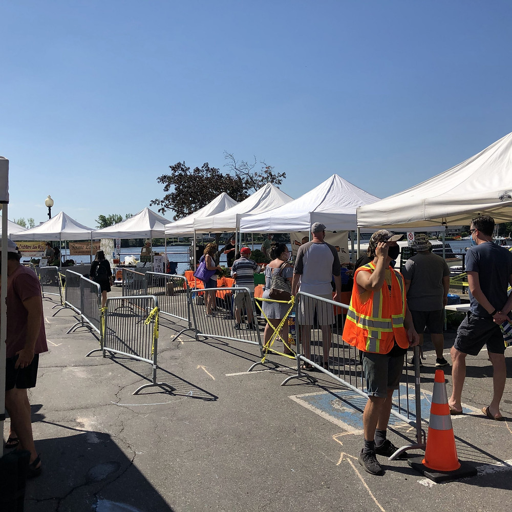 At the Marché Ste-Anne, safety is of the upmost importance. Ste-Anne-de-Bellevue 2021 summer market.